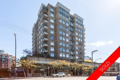 Downtown NW Condo for sale: CARNARVON TOWERS 1 plus den 653 sq.ft. (Listed 2017-10-02)