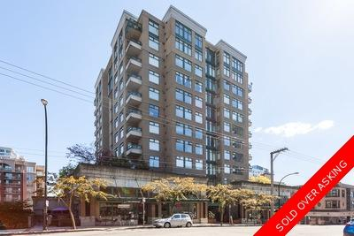 Opportunity to own vs renting: Carnarvon Towers 1 bedroom and den 671 sq.ft.