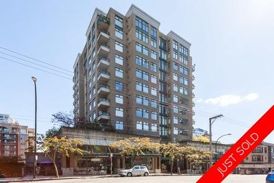 Downtown NW Condo for sale: Carnarvon Towers 2 Bedroom 903 sq.ft. (Listed 2018-07-03)