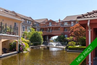 Waterfront Condo for sale: The Rialto 1 plus den 906 sq.ft.