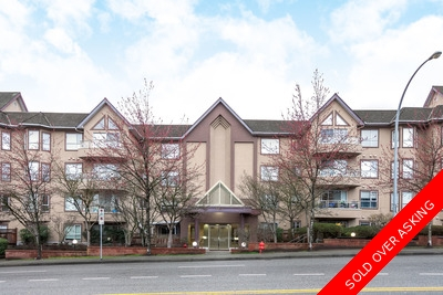 Central Port Moody Apartment for sale: SHAUGHNESSY MANOR 2 plus den  Laminate Floors 1,119 sq.ft. (Listed 2016-03-07)