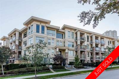 Fraserview Condo for sale: The Grove 2 plus den Hardwood Floors 1,063 sq.ft. (Listed 2017-04-19)
