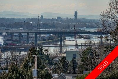 TOP FLOOR CONDO Kingsgate House STUNNING view!